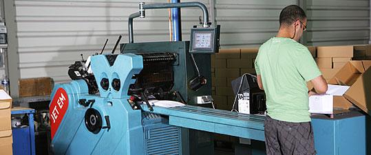 Halm Jet EM, 2c-Highspeed-Druckmaschine (bis zu 50.000 Hüllen pro Stunde)